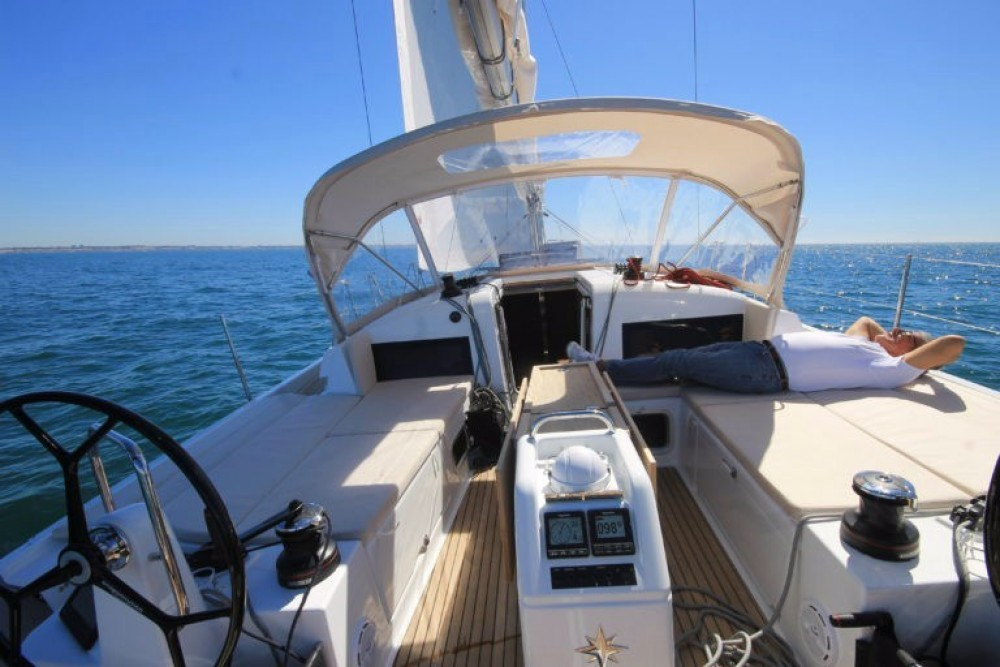 Hire Sailboat with or without skipper Jeanneau Kos