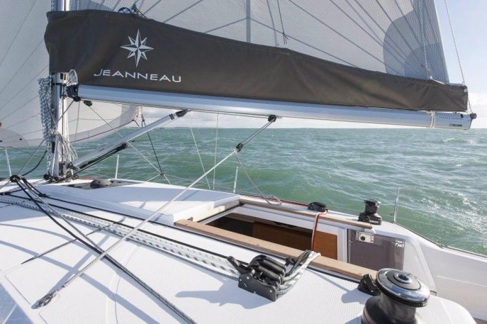 Boat rental Laurium cheap Sun Odyssey 349