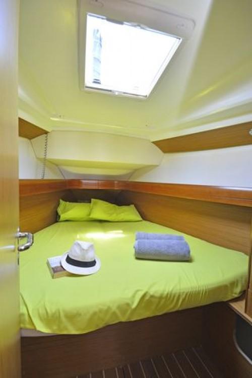 Boat rental Jeanneau Sun Odyssey 36i in Peloponnese, West Greece and Ionian Sea on Samboat