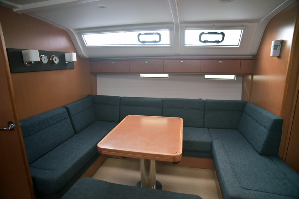 Rental Sailboat in Athens - Bavaria Bavaria 51 Cruiser