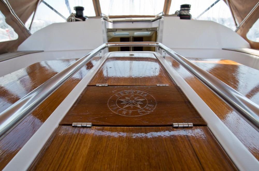 Boat rental Elan Elan 494 Impression in Trogir on Samboat