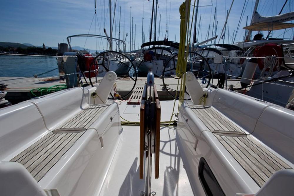 Rental Sailboat in Trogir - Salona Salona 35