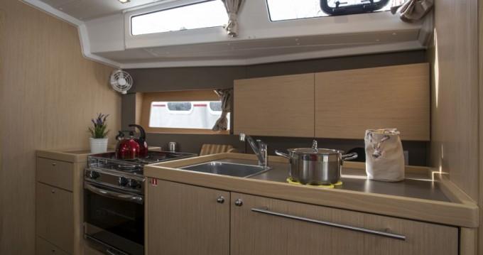 Boat rental Bénéteau Oceanis 38.1 in  on Samboat