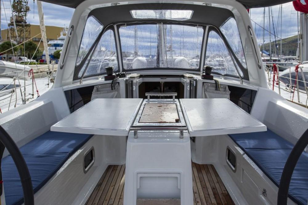 Rental Sailboat in Trogir - Bénéteau Oceanis 38.1