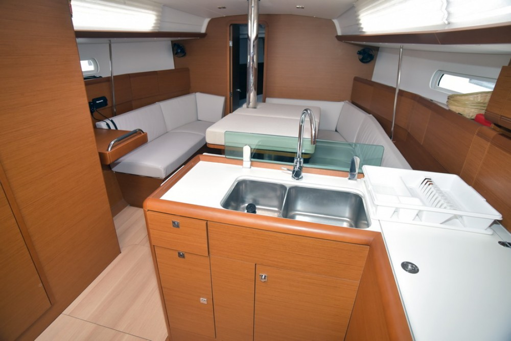Rental yacht Dubrovnik - Jeanneau Sun Odyssey 389 on SamBoat
