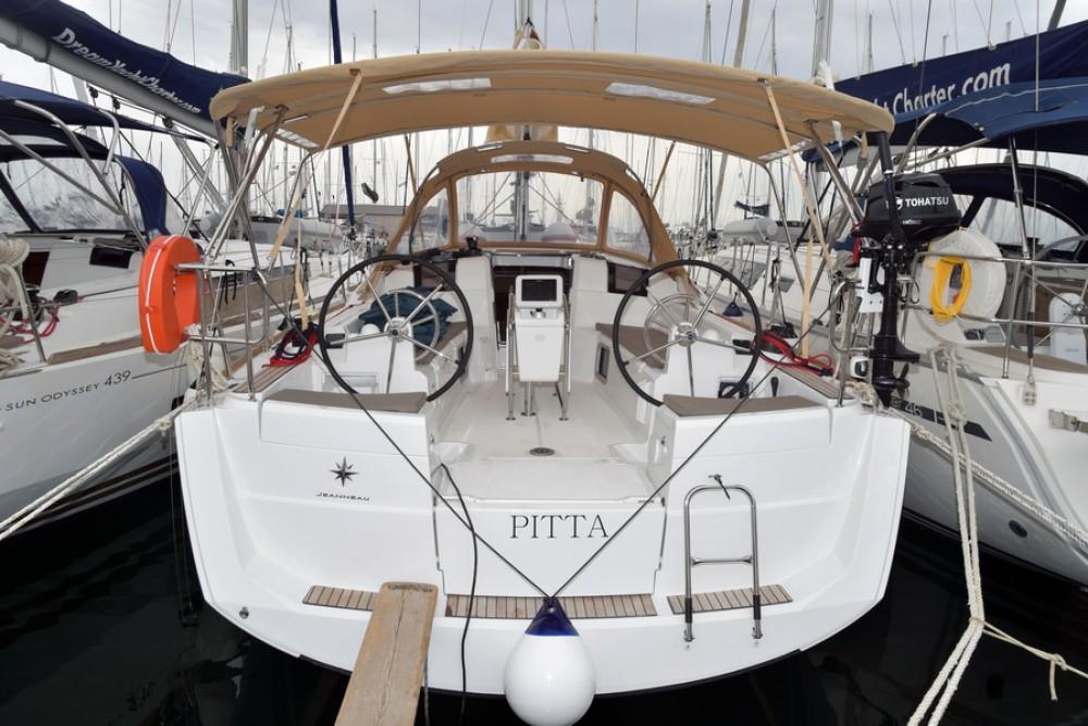 Boat rental Jeanneau Sun Odyssey 389 in Dubrovnik on Samboat