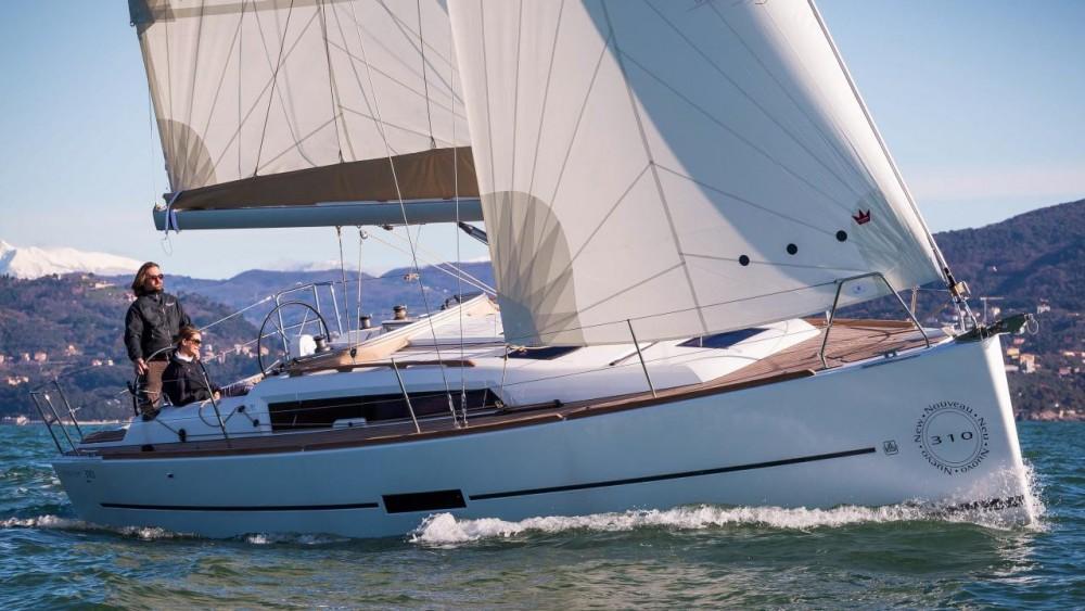 Rental Sailboat in Šibenik - Dufour Dufour 310