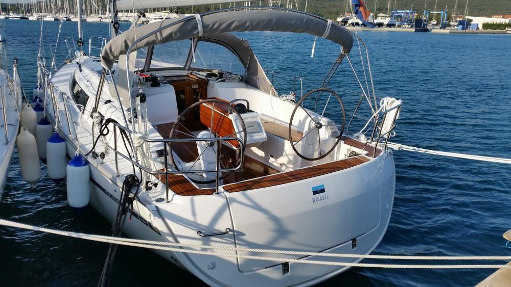 Boat rental  cheap Bavaria Cruiser 37