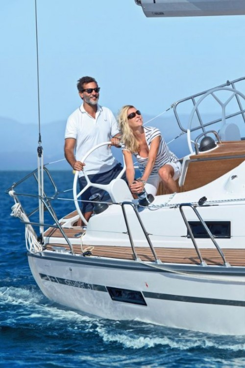 Rental yacht  - Bavaria Cruiser 37 on SamBoat