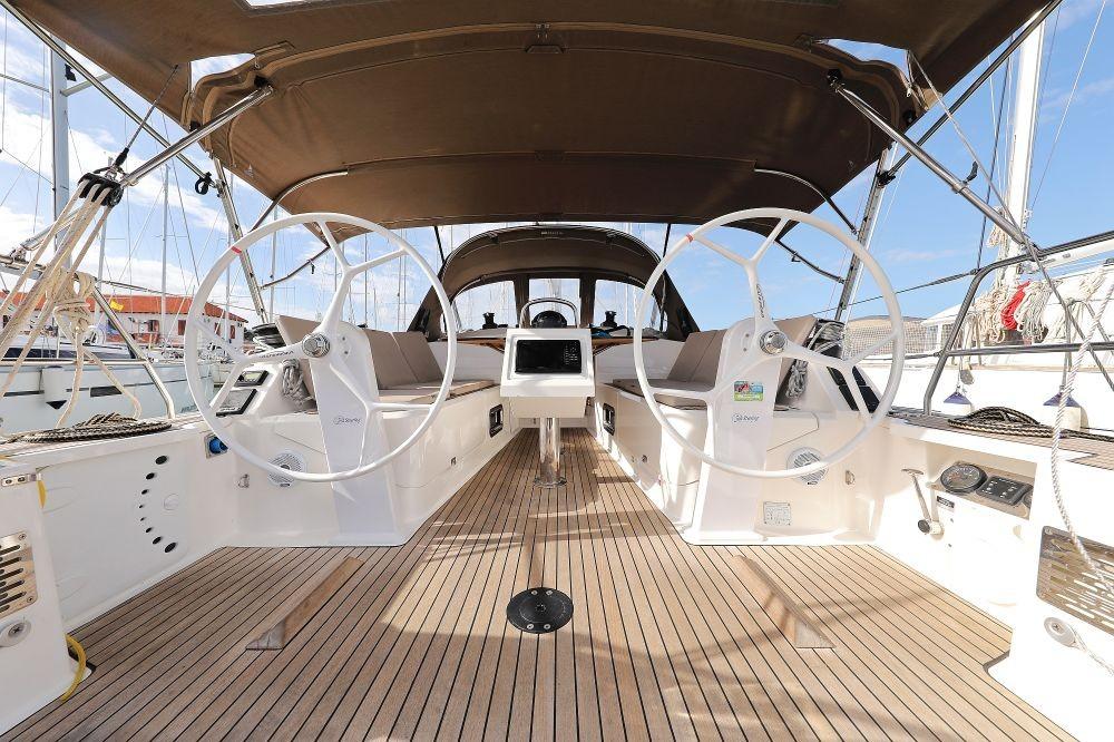 Boat rental Bavaria Cruiser 37 in  on Samboat