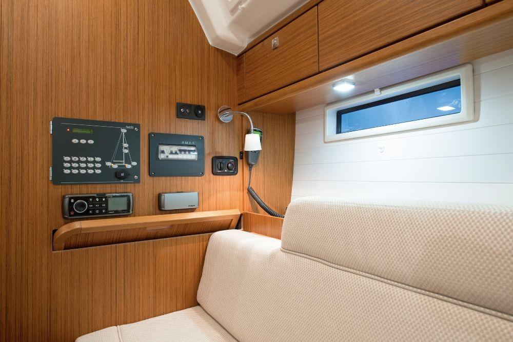 Boat rental Split cheap Cruiser 37