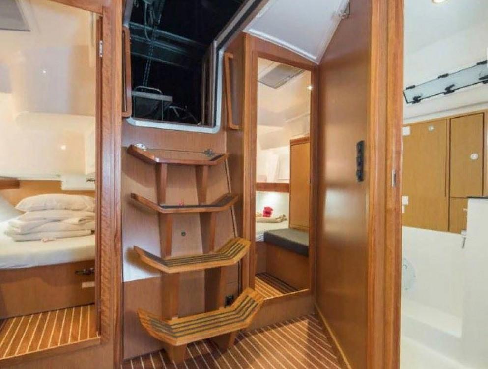 Bavaria Bavaria Cruiser 40 S between personal and professional