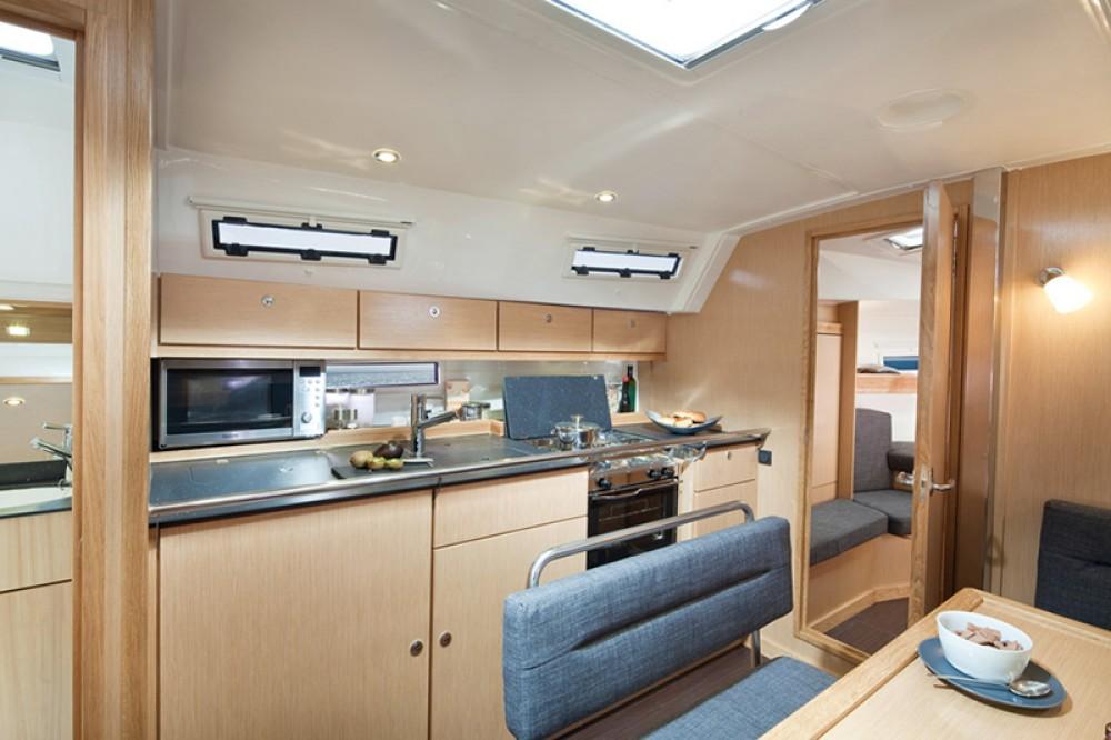 Boat rental Bavaria Bavaria Cruiser 40 S in Split on Samboat