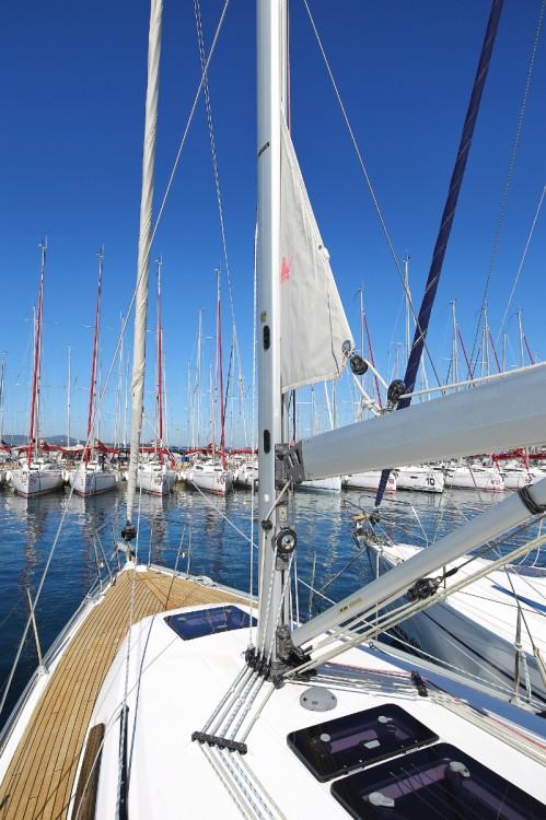 Rent a Bavaria Cruiser 37 Croatia