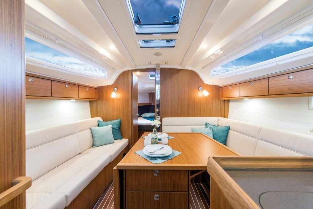 Rental yacht Lelystad-Haven - Bavaria Bavaria Cruiser 37 - 3 cab. on SamBoat