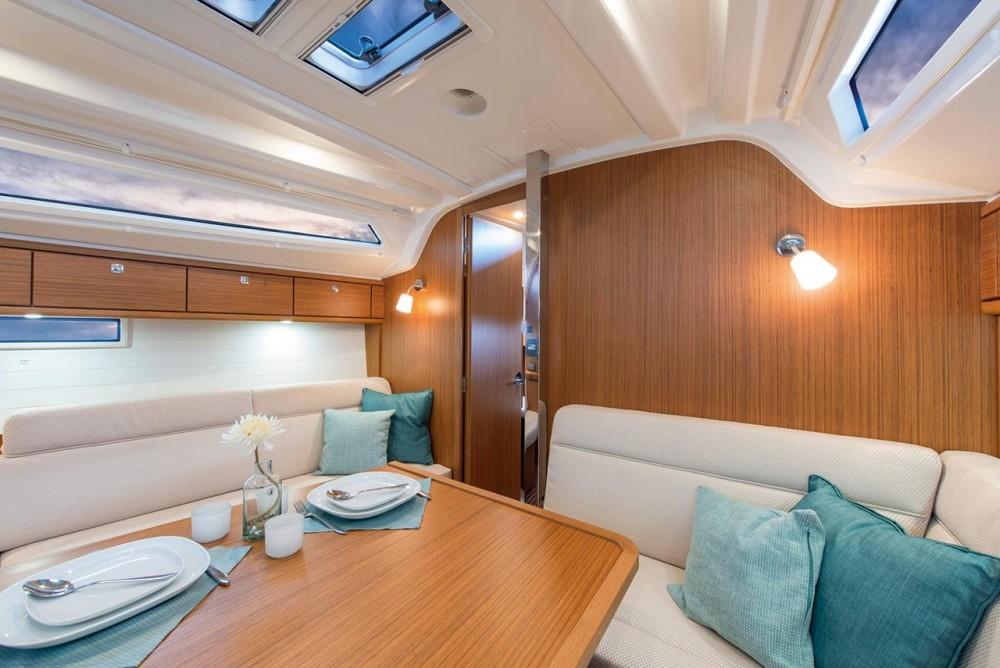 Bavaria Cruiser 37 between personal and professional Grad Zadar
