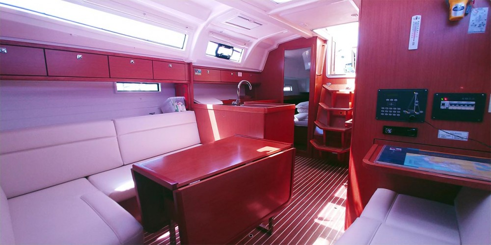 Boat rental Bavaria Bavaria Cruiser 37 - 3 cab. in Croatia on Samboat