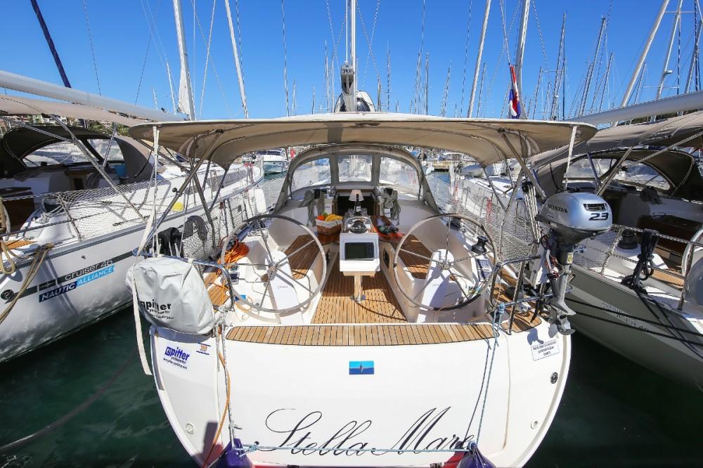 Boat rental Lefkada cheap Cruiser 37