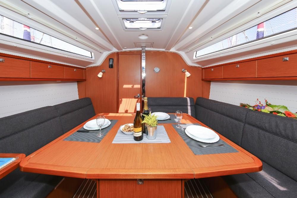 Rental yacht Lefkada - Bavaria Cruiser 37 on SamBoat