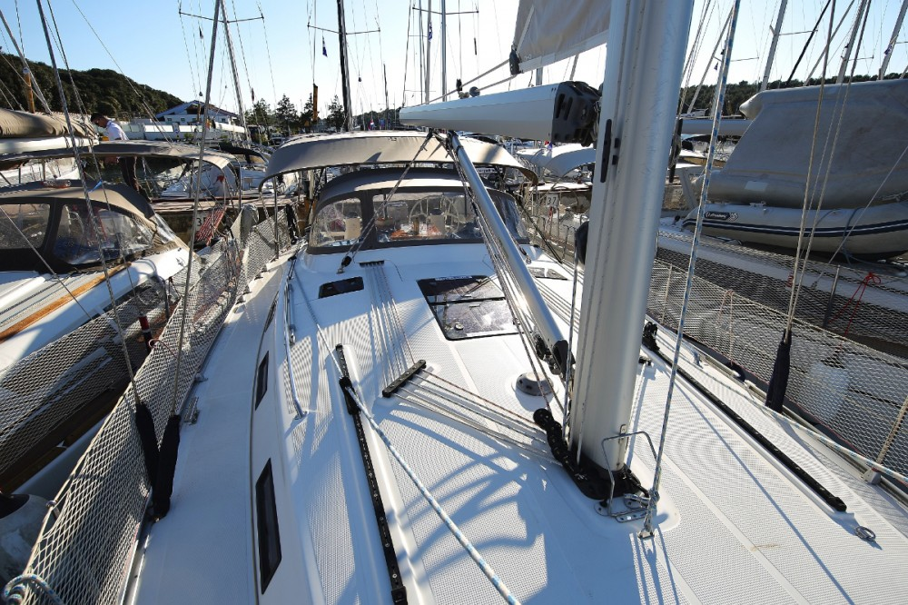 Rental yacht Grad Pula - Bavaria R40 on SamBoat