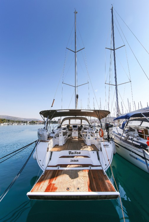 Boat rental Bavaria Cruiser 45 in Trogir on Samboat