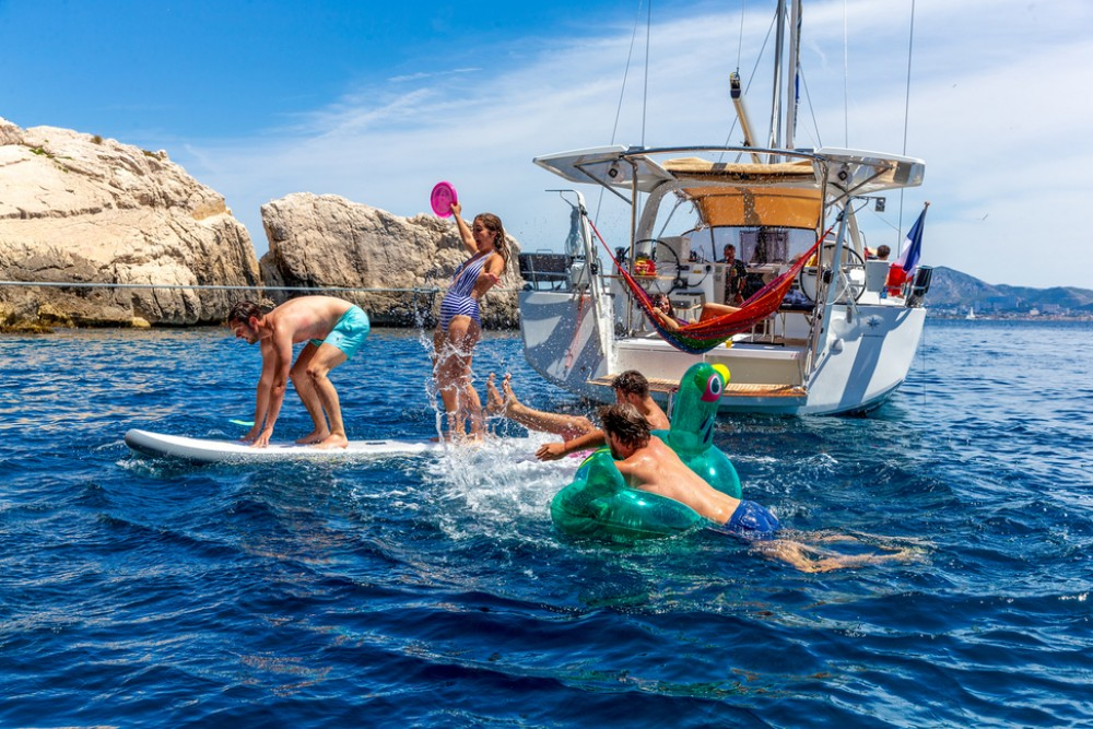 Hire Sailboat with or without skipper Jeanneau Tortola