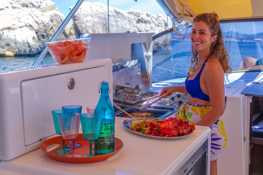 Boat rental Jeanneau Sun Loft 47 - 6+1 cab. in Tortola on Samboat
