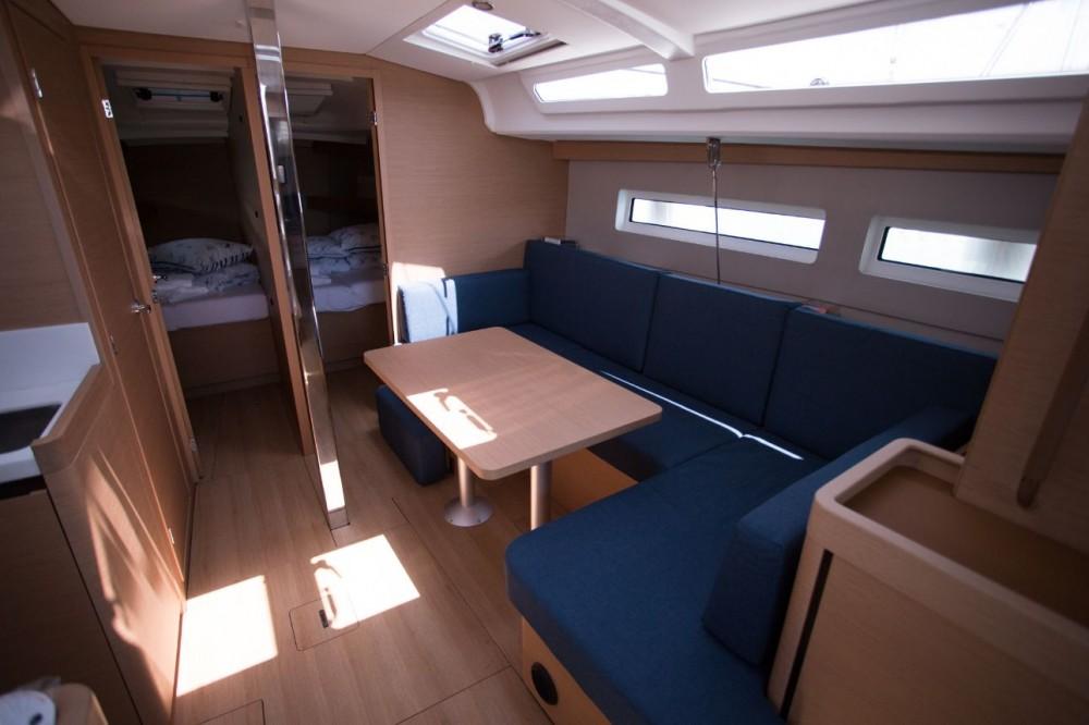 Boat rental Jeanneau Sun Odyssey 440 in Baléares on Samboat