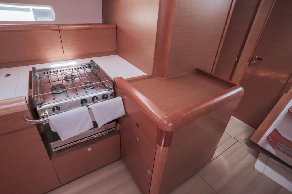 Rental Sailboat in Croatia - Jeanneau Sun Odyssey 509 - 5 + 1 cab.