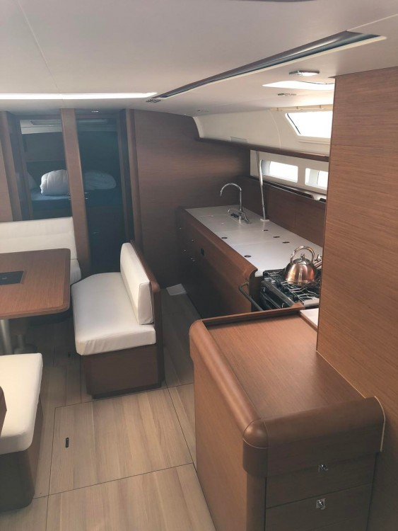 Jeanneau Sun Odyssey 519 between personal and professional Peloponnese