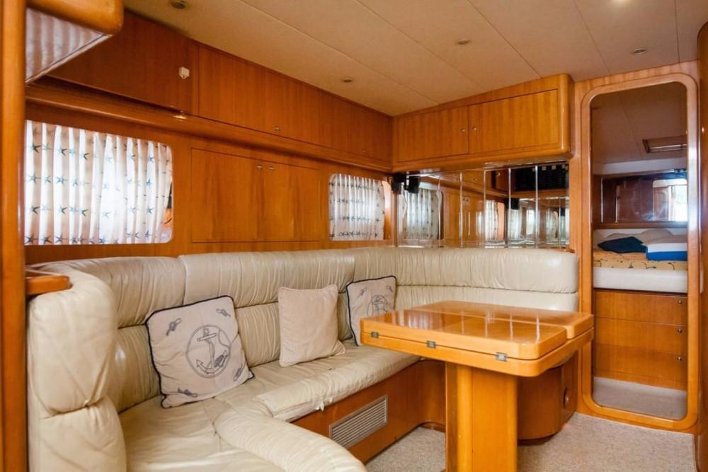 Rental Yacht in Cancún - Uniesse 48