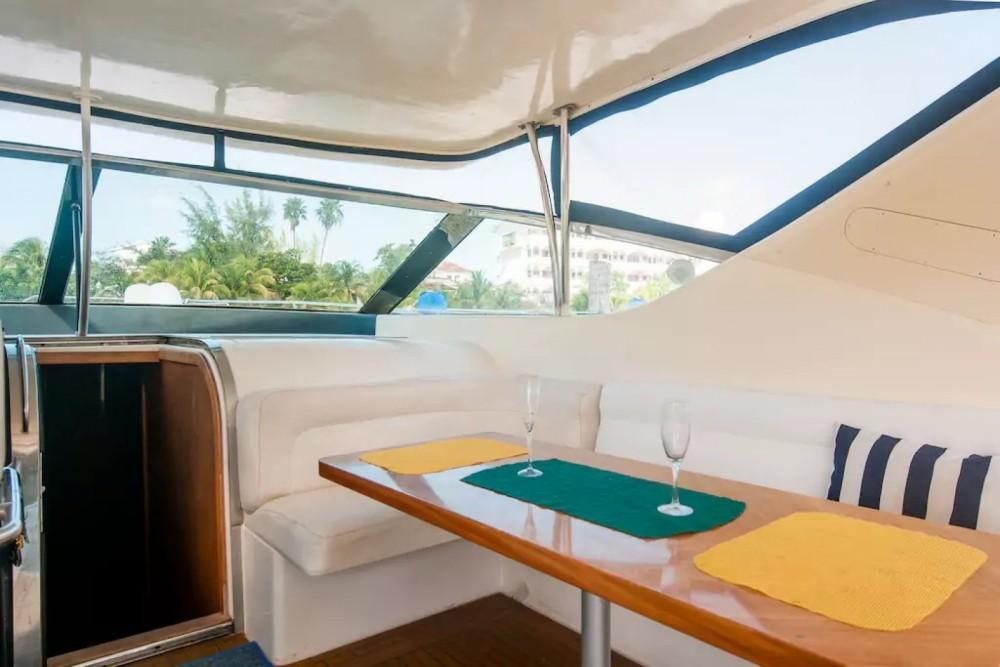 Rental yacht Cancún - Uniesse 48 on SamBoat