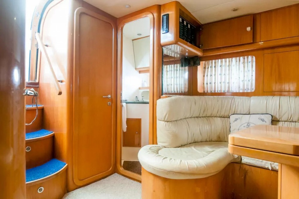 Boat rental Uniesse 48 in Cancún on Samboat