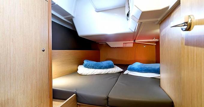 Rental yacht Ayamonte - Bénéteau Oceanis 38 on SamBoat