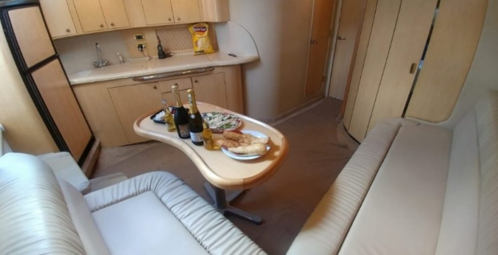 Sea Ray sundancer between personal and professional Cancún