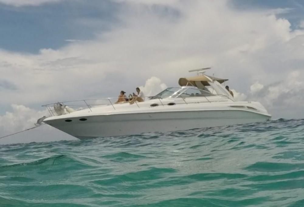 Rent a Sea Ray sundancer Cancún