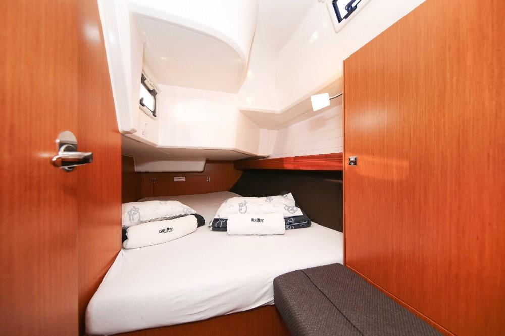 Boat rental Grad Pula cheap Cruiser 37