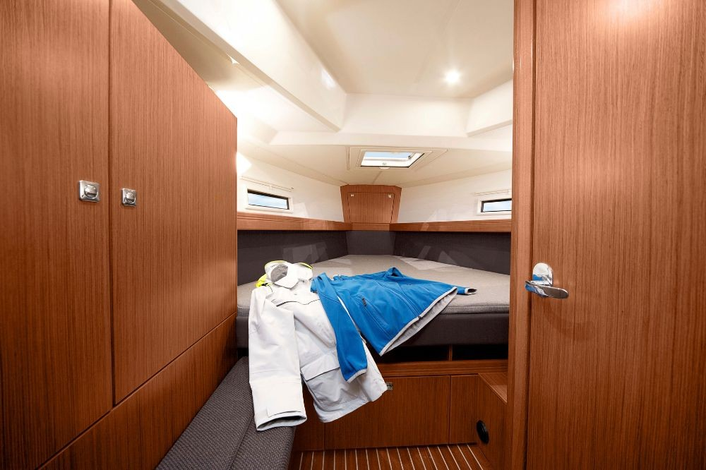 Rent a Bavaria Bavaria Cruiser 41 - 3 cab. Pirovac