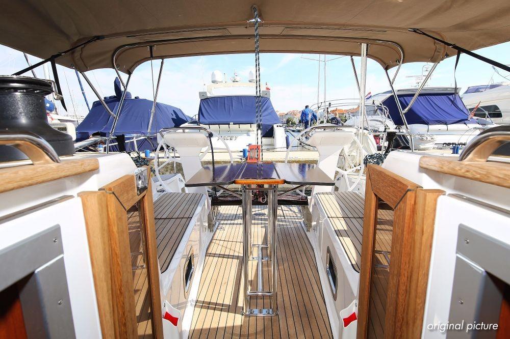 Boat rental Croatia cheap Cruiser 41 S