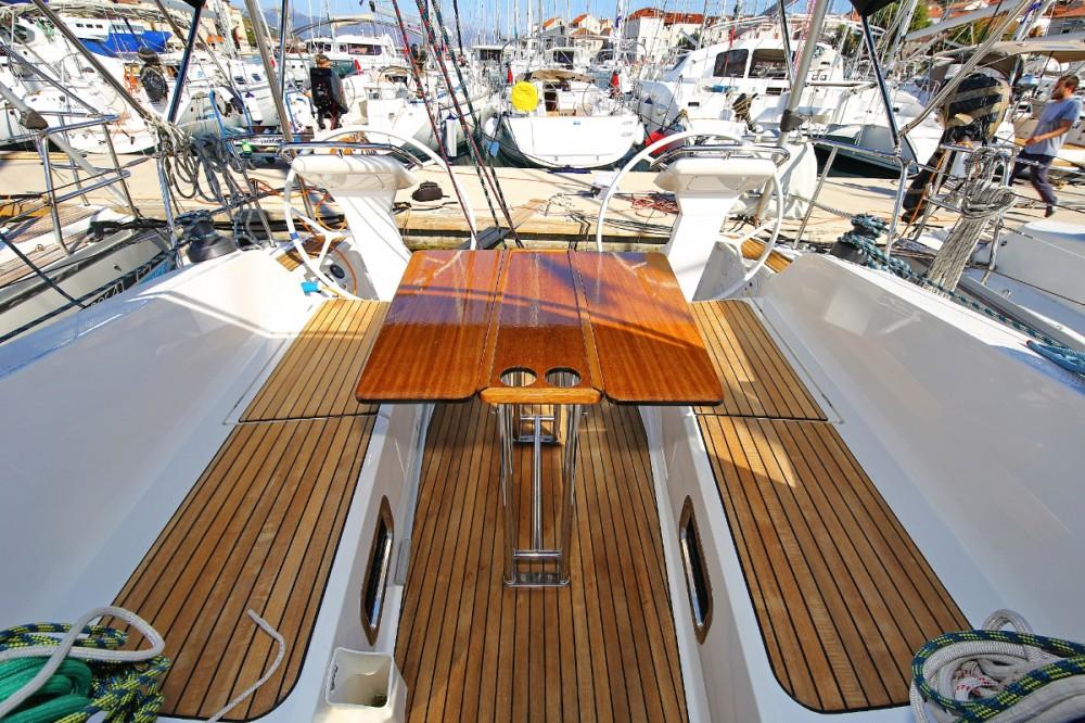 Boat rental  cheap Cruiser 41 S
