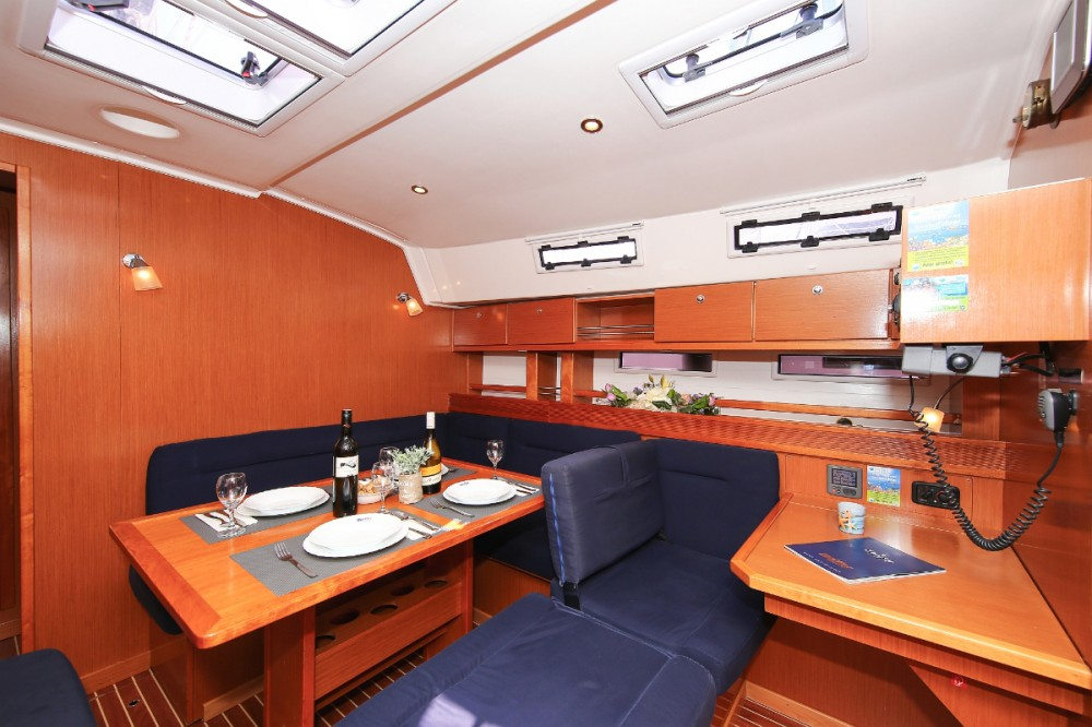 Rent a Bavaria Cruiser 45 Vólos