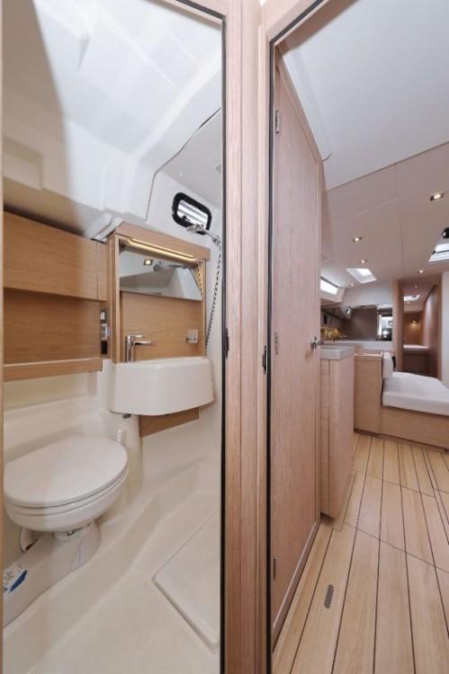 Boat rental Bénéteau Oceanis 51.1 - 5 + 1 cab. in  on Samboat