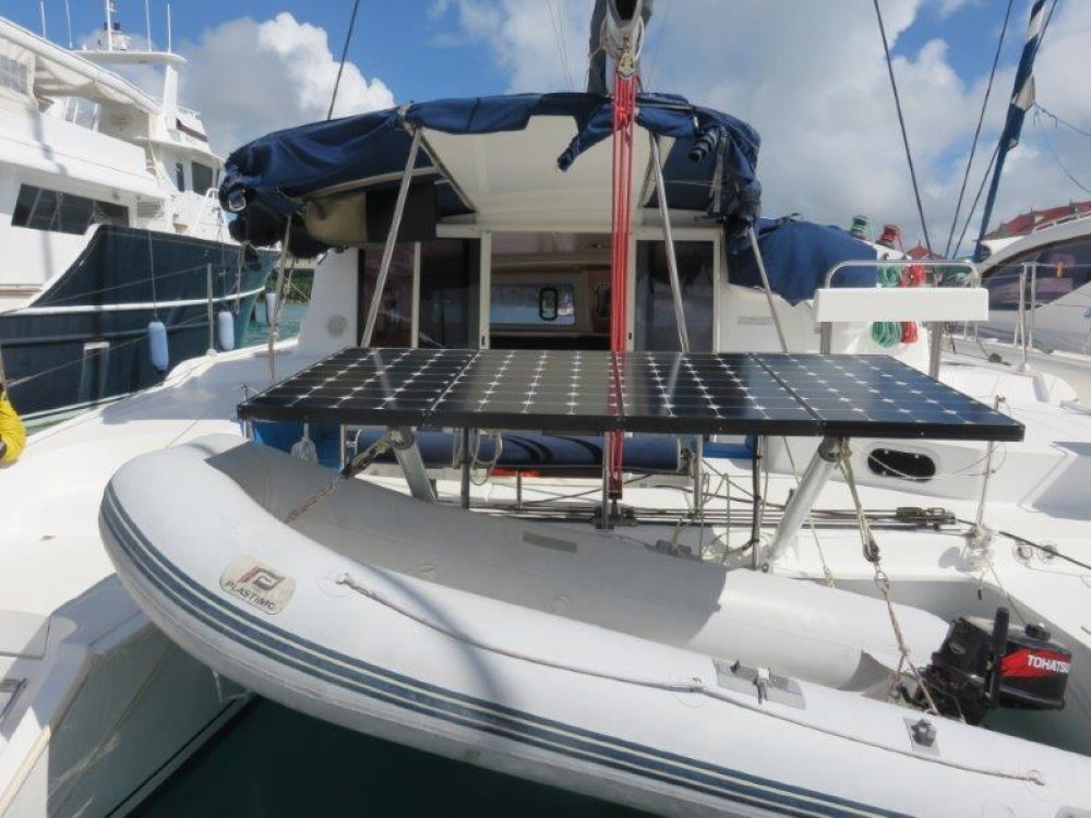 Boat rental Fountaine Pajot Mahe 36 in Victoria on Samboat