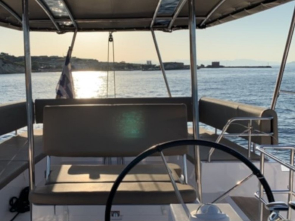 Hire Catamaran with or without skipper Nautitech Alimos Marina