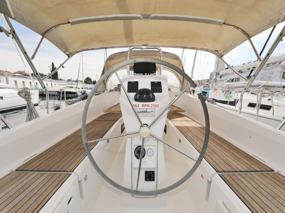 Rent a Bavaria Bavaria 36 Cruiser Marina Zadar