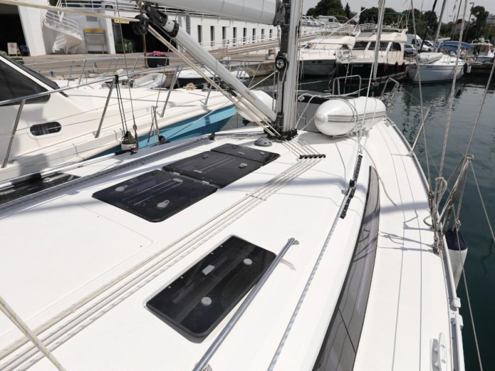 Rental Sailboat in Zadar - Bavaria Bavaria Cruiser 37