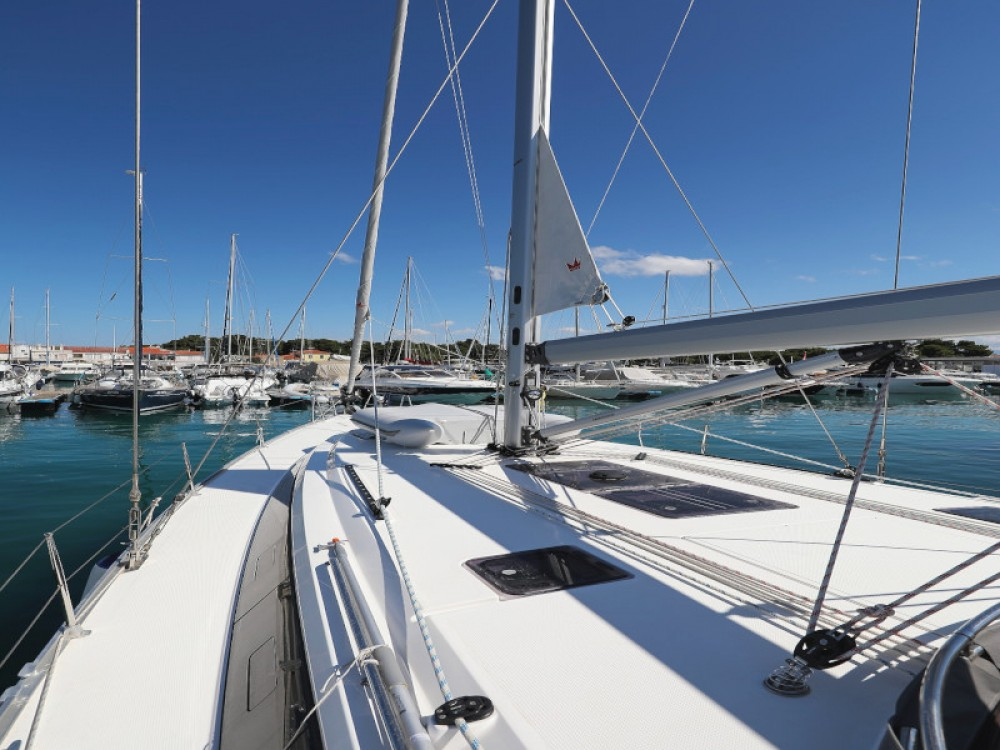Rent a Bavaria Bavaria Cruiser 46 Zadar