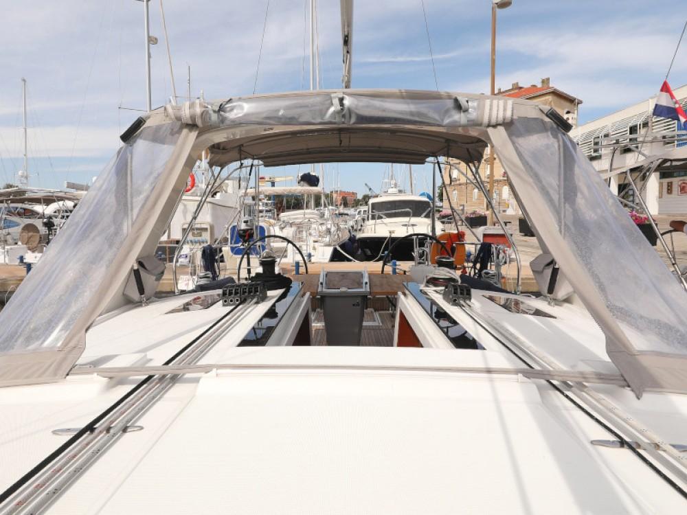 Rent a Bénéteau Oceanis 41.1 Marina Zadar