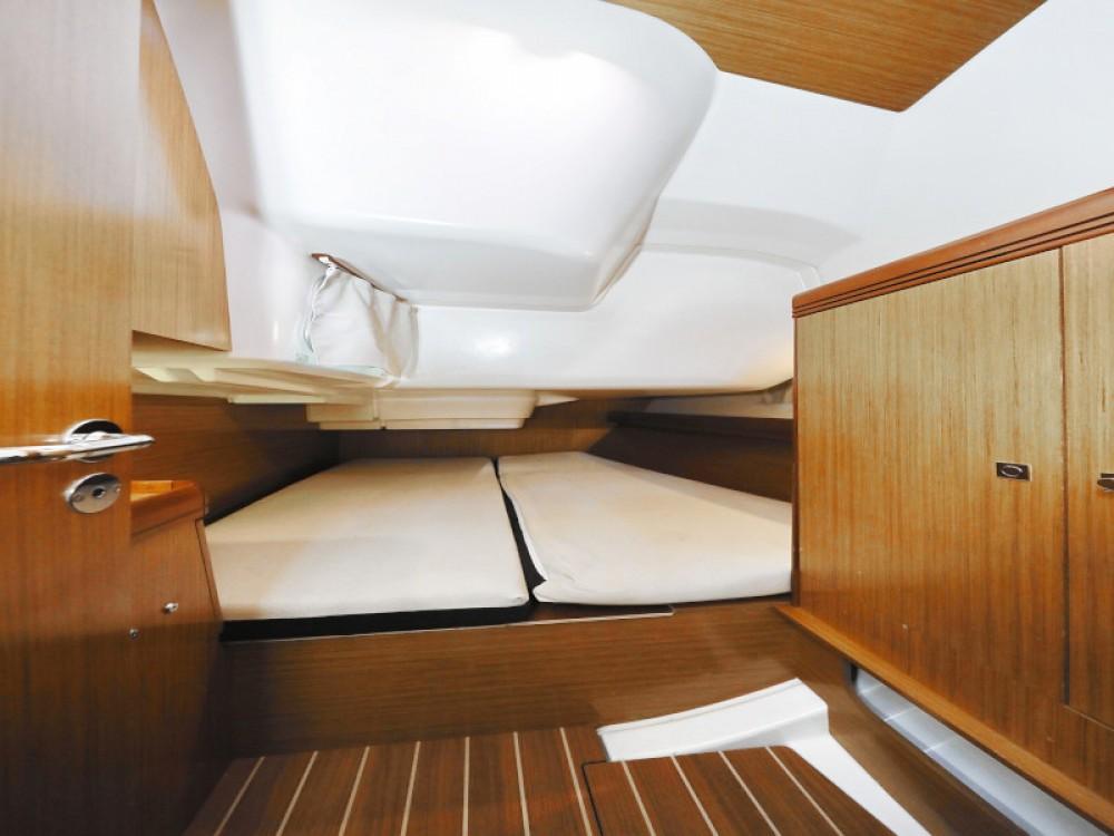 Jeanneau Sun Odyssey 39i between personal and professional Marina Zadar