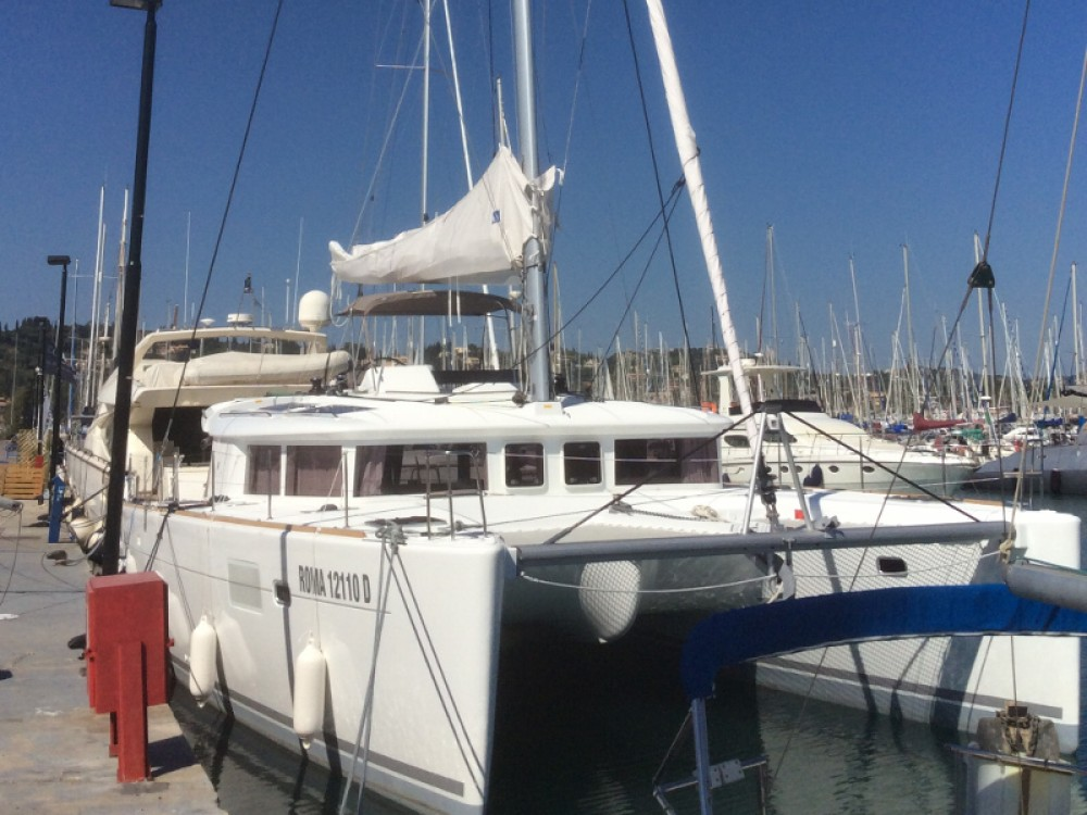 Catamaran for rent Torre del Greco at the best price
